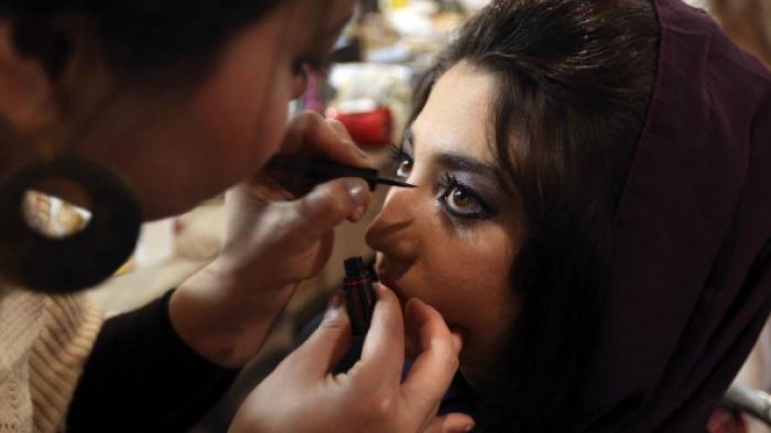 Kosmetik Halal Dua Wanita India Tantang Dunia