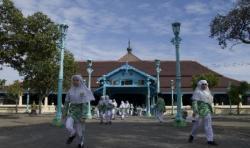 12 Masjid Bersejarah di DIY Dipugar