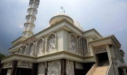 Perpaduan Tiga Gaya Arsitektur di Masjid Al Wiqoyah