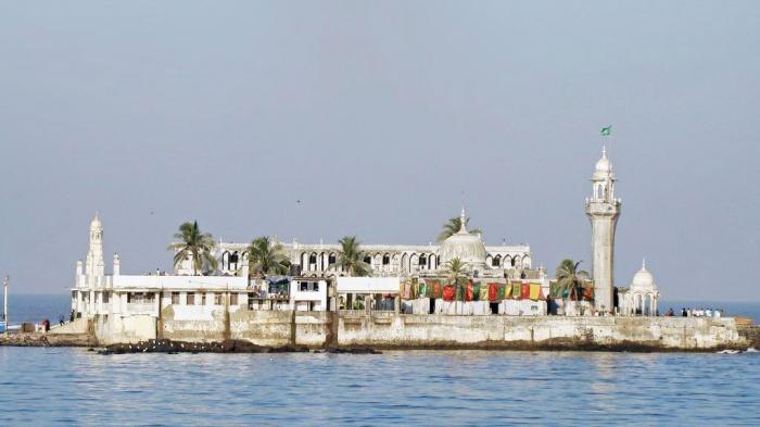 Bagi Warga India, Masjid Ini Adalah Tempat Bersejarah