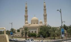 Masjid Palm Jumeirah Dubai Pancarkan Nuansa Spiritual