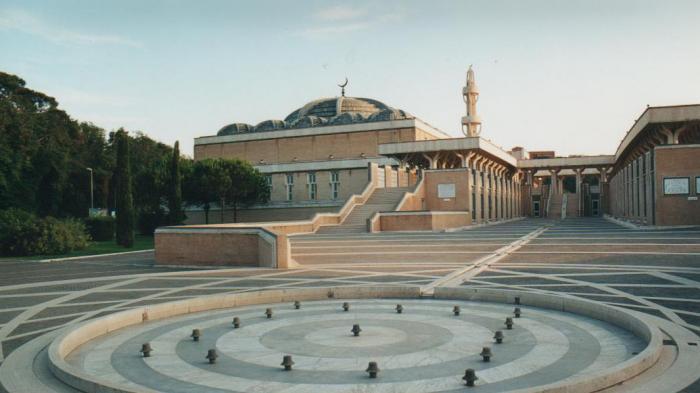 Kombinasi Elemen Romawi dan Islam Tradisional