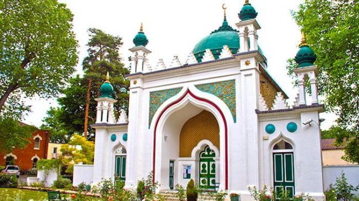 Masjid Shah Jahan Punya 93 Kubah