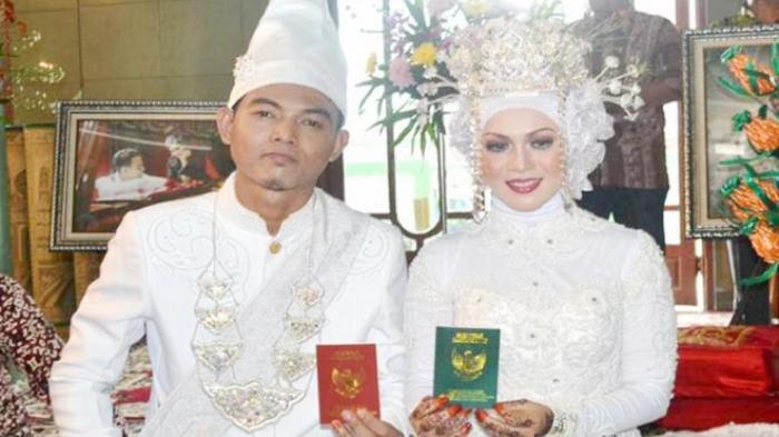Ovie Wali Band Bulan Madu ke Makkah