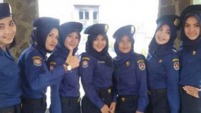 Pasukan Pemadam Kebakaran Cantik dari Purwakarta