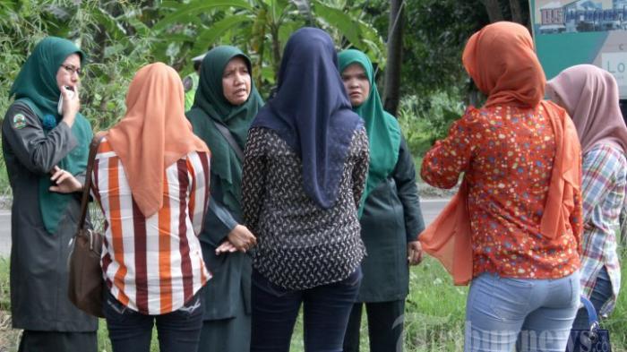 Kaum Perempuan di Simpang Zaman