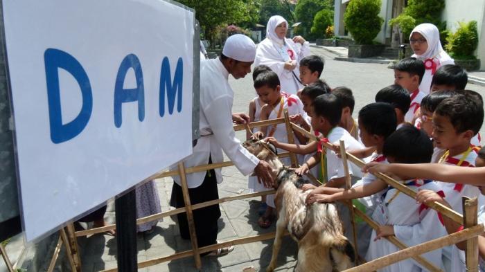 Ratusan Siswa TK Ikuti Latihan Manasik Haji