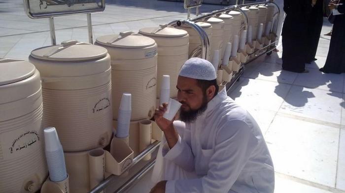 Jamaah Haji Dibatasi 5 Liter Air Zamzam
