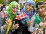gadis-kanada-ini-peluk-islam.jpg