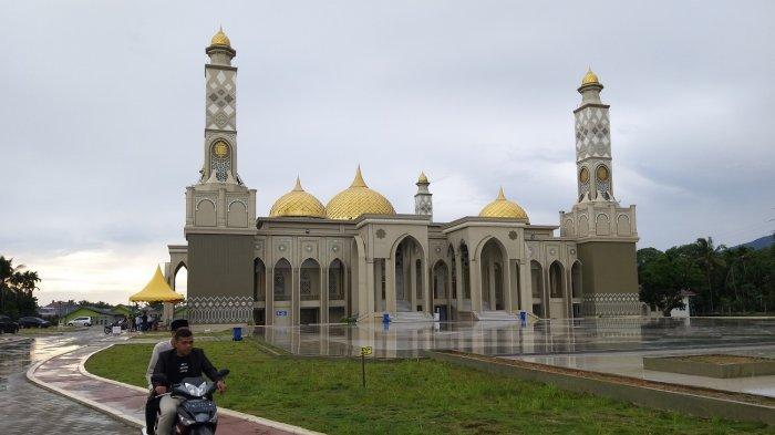 Megahnya Masjid Agung Baitul Ghafur Abdya, Mampu Tampung 4.200 Jamaah - Masjid-Agung-Abdya01.jpg
