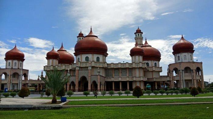 Masjid Agung Baitul Makmur, Masuk Deretan 100 Masjid Terindah se-Indonesia - Masjid-Agung-Meulaboh.jpg
