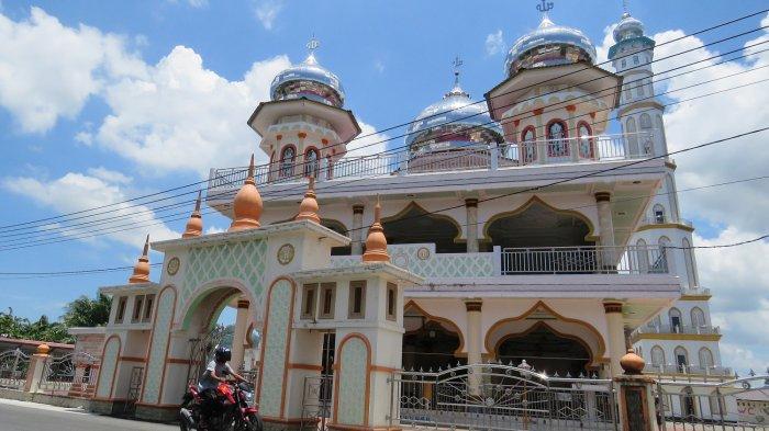 Masjid Jamik Syaikhuna Gudang Buloh Nagan Raya, Dibangun Zaman Belanda Kini Sering Tempat Bernazar - Masjid-Jamik-Syaikhuna-Gudang-Buloh.jpg
