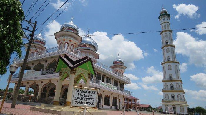 Masjid Jamik Syaikhuna Gudang Buloh Nagan Raya, Dibangun Zaman Belanda Kini Sering Tempat Bernazar - Masjid-Jamik-Syaikhuna2.jpg