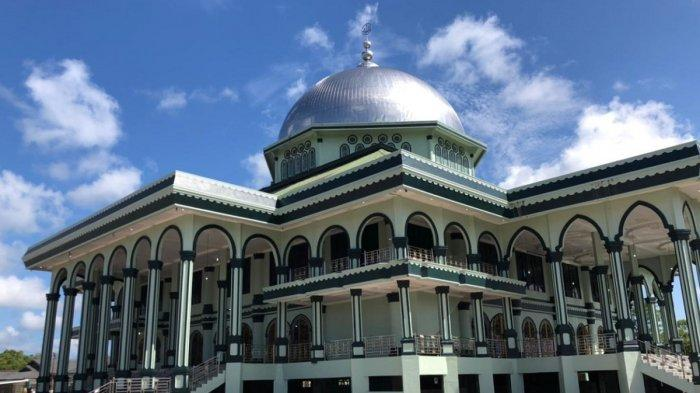 Masjid Agung Nurul Makmur Pemancar Cahaya Kemakmuran di Jantung Ibukota Singkil