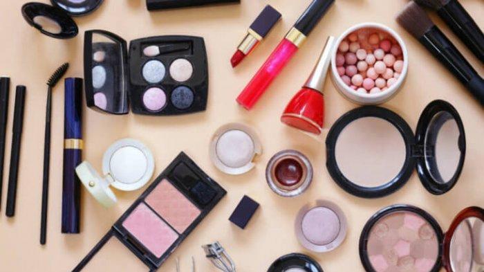 Wanita Wajib Tahu Usia Lipstik dan Item Kosmetik Lainnya jika Tak Ingin Risiko Ini Terjadi