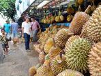 buah-durian-di-pasar-buah-durian-kuto-kota-palembang.jpg
