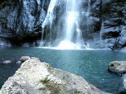 12 Destinasi Wisata di Sulbar yang Wajib Dikunjungi, Pantai Pasir Putih Hingga Air Terjun 70 Meter