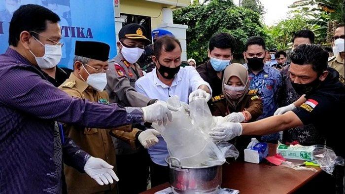 BNNP Musnahkan Sabu yang Bisa Rusak 8.680 Generasi Muda Sulawesi Barat