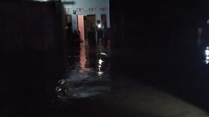 Hujan Deras, Puluhan Rumah di Lena Polman Terendam, Warga Mengungsi