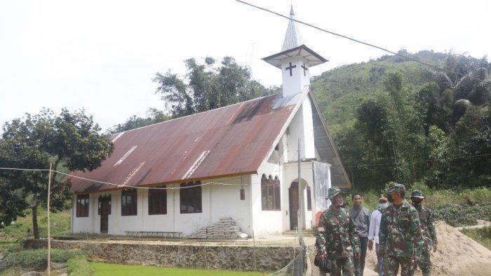 TMMD 112 Kodim 1428 Mamasa Mulai Rehab Gereja di Desa Banea