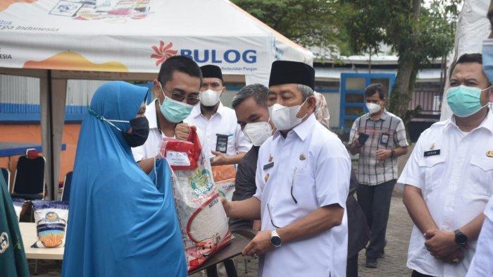 Pemprov Sulbar dan Bulog Mamuju Salurkan 20 Ribu Ton Beras untuk 63.803 Keluarga Penerima PKH
