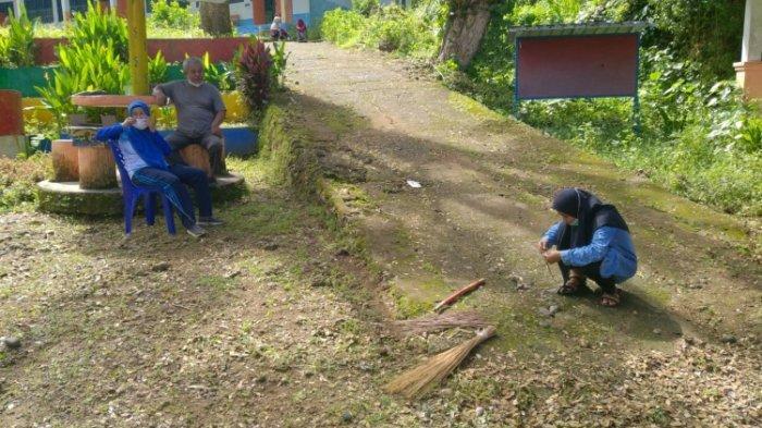 SMPN 4 Mamuju Akhirnya Siap Gelar PTM Usai Gedung Sekolah Dibersihkan