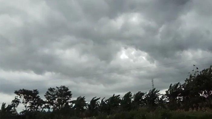 Tiga Kabupaten di Sulbar Waspada Cuaca Ekstrem Awal September 2021