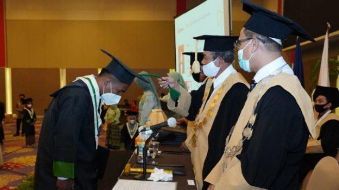 Institut Parahikma Indonesia Kukuhkan 91 Alumni Angkatan II, Rahmat Fauzan Terbaik