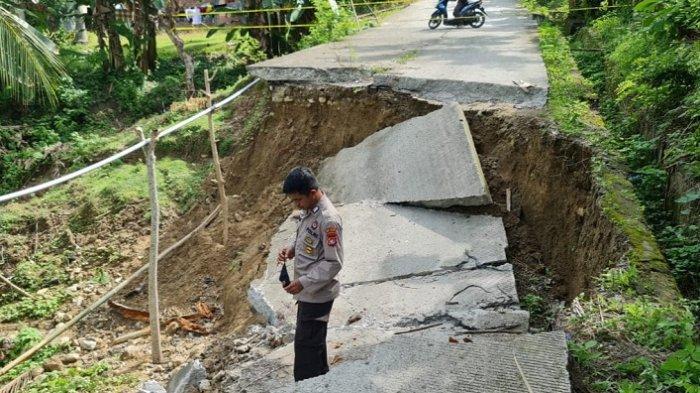 Jalan Amblas di Desa Simbang Majene, Dinas PU Tunggu Dana Darurat dari Pemda