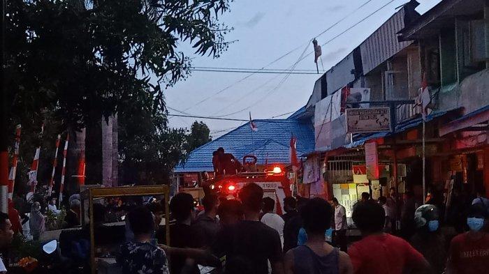 Majene Hanya Punya Satu Armada, Damkar Polman Bantu Padamkan Kebakaran di Battayang