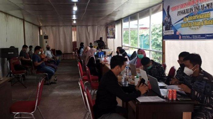 Serbuan Vaksin Covid-19 Masyarakat Maritim di Marasa Corner Terapkan Prokes