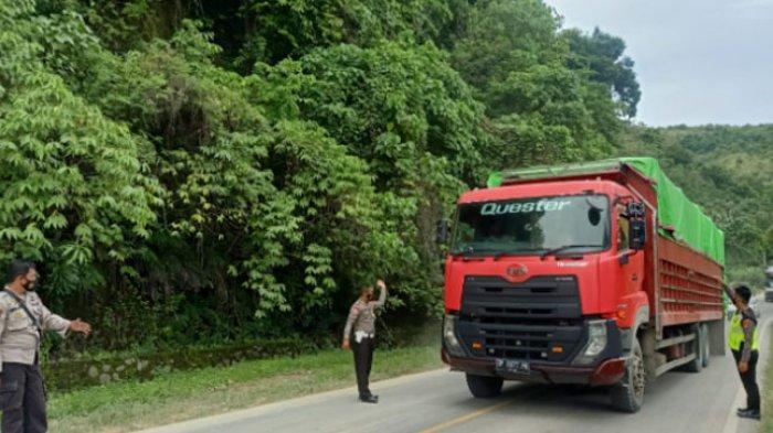 Longsor di Desa Tubo Tengah, Polres Majene Terapkan Buka Tutup Jalan