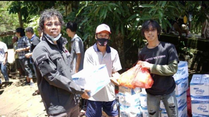 KAHMI Mamuju Tengah Salurkan Bantuan Untuk Korban Banjir Sondoang