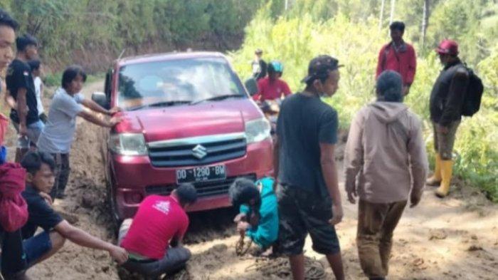 HUT ke-17 Sulbar, IPPMN dan KPPMP Pertanyakan Pembangunan Infrastruktur Jalan di Mamasa