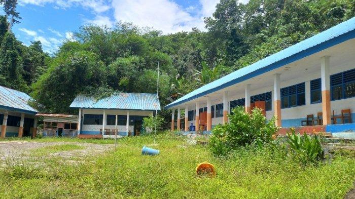 Gedung Sekolah SMPN 4 Mamuju Tak Terawat, Kepsek: Kami Kerja Bakti Mulai Besok