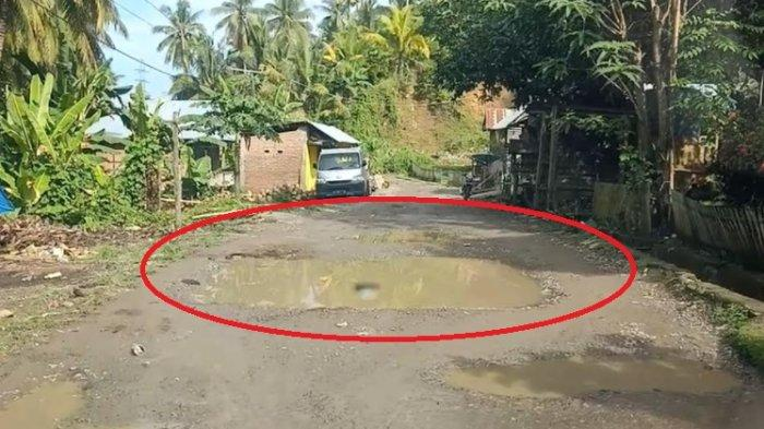 Tak Ada Perhatian Pemerintah, Kondisi Jalan Poros Desa Tallambalao Majene Makin Rusak
