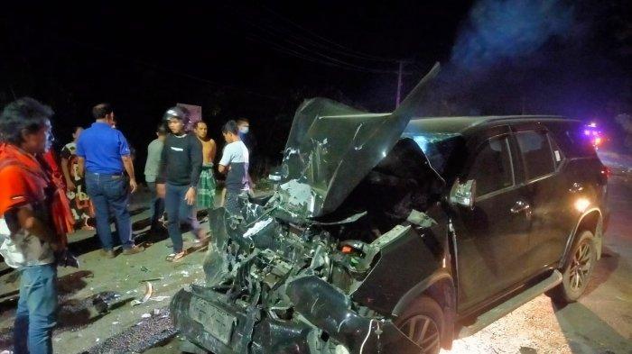 KRONOLOGI Mobil Fortuner vs Bus Mercedes Benz di Matakali Polman, Sopir Diduga Mengantuk