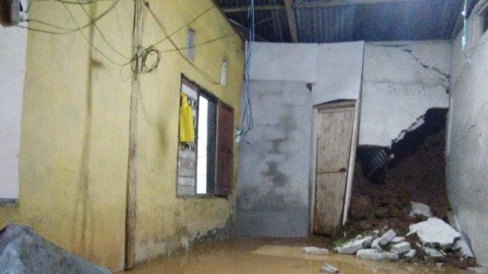 BREAKING NEWS:Rumah Warga Kecamatan Aralle Mamasa Tertimbun Longsor