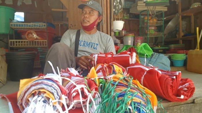 Kisah Mas Bazor, Tinggalkan Keluarga di Jawa Jualan Bendera di Mamasa Demi Sesuap Nasi