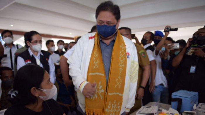 Airlangga Hartarto Meninjau Sentra Vaksinasi di Wilayah Timur Indonesia