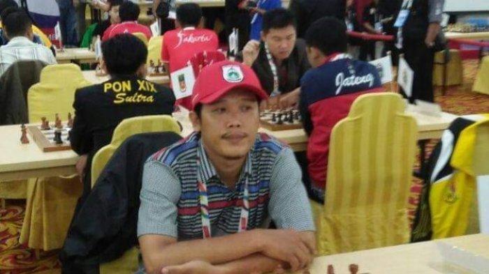 PROFIL Johan, Atlet Catur Sulbar Asal Madan, Pernah Raih Perunggu di PON XIX Jawa Barat