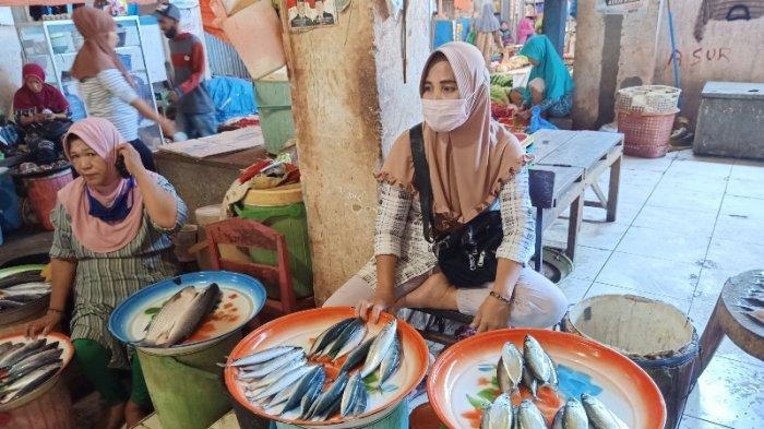 Sudah Lima Hari Harga Ikan di Pasar Sentral Majene Melonjak