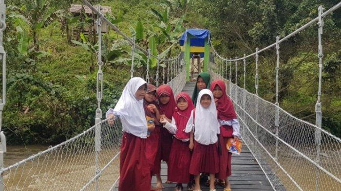 SETELAH Viral, Jembatan Pamoseang Mamasa Akhirnya Bisa Digunakan
