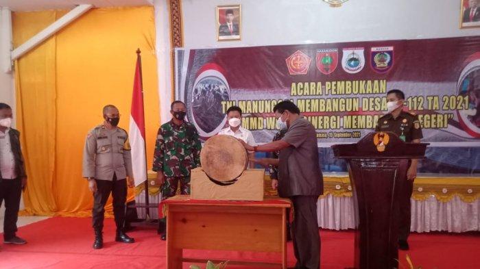 TMMD ke-112, Prajurit Kodim 1428/Mamasa Bangun Jalan 4 Km Penghubung Desa Batang Uru dan Desa Banea