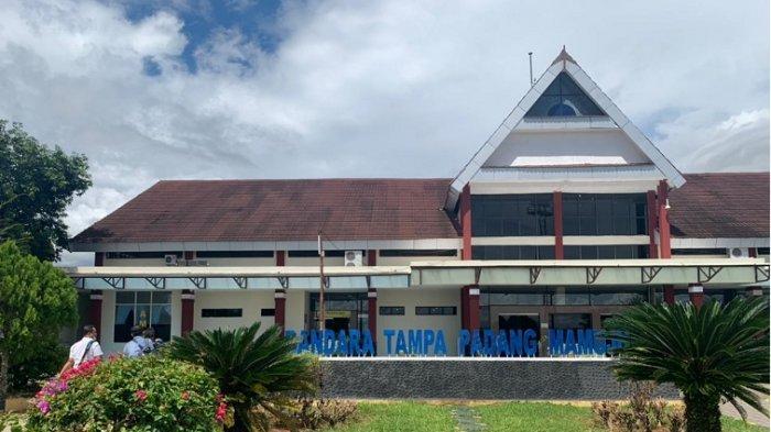 FOTO: Penumpang Wings Air Tiba di Bandara Tampa Padang Mamuju Sulawesi Barat
