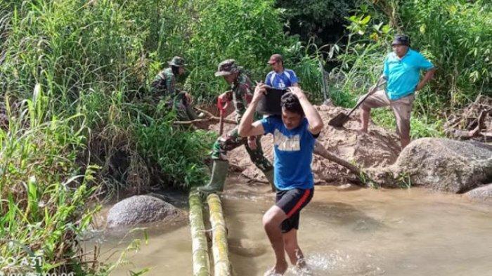 TNI Masuk Desa di Mamasa, Bangun MCK dan Bak Penampungan Air di Banea