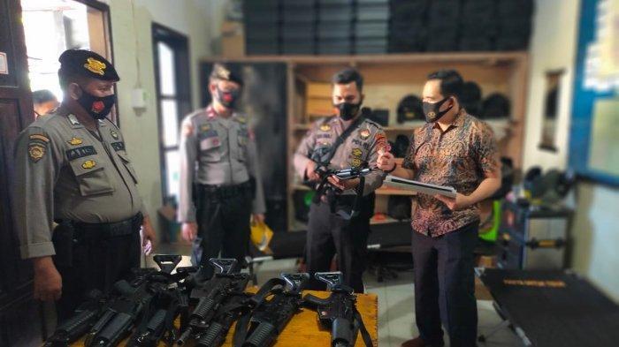 Antisipasi Penyalagunaan, Polda Sulbar Periksa Senpi dan Peluru Personil Polres Polman