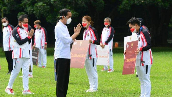 Atlet Indonesia Peraih Medali Olimpiade Tokyo Terima Bonus di Istana Bogor, Jumlahnya Fantastis!