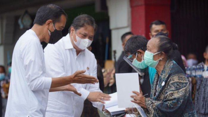 Presiden Jokowi & Airlangga Hartarto Serahkan Bantuan Tunai Warung dan Pedagang Kaki Lima