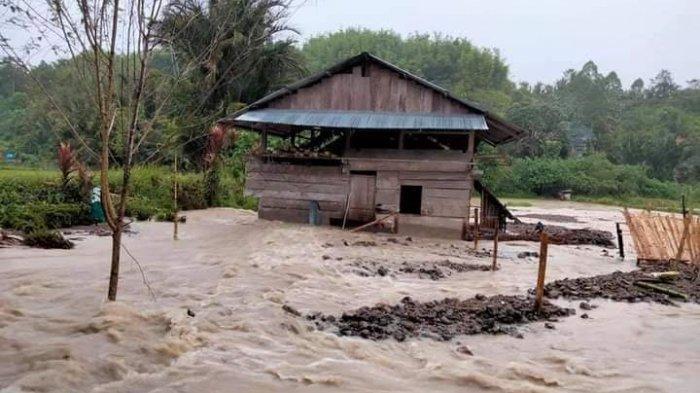 Desa Burana Mamasa Kembali Diterjang Banjir, Sejumlah Rumah Warga Alami Kerusakan